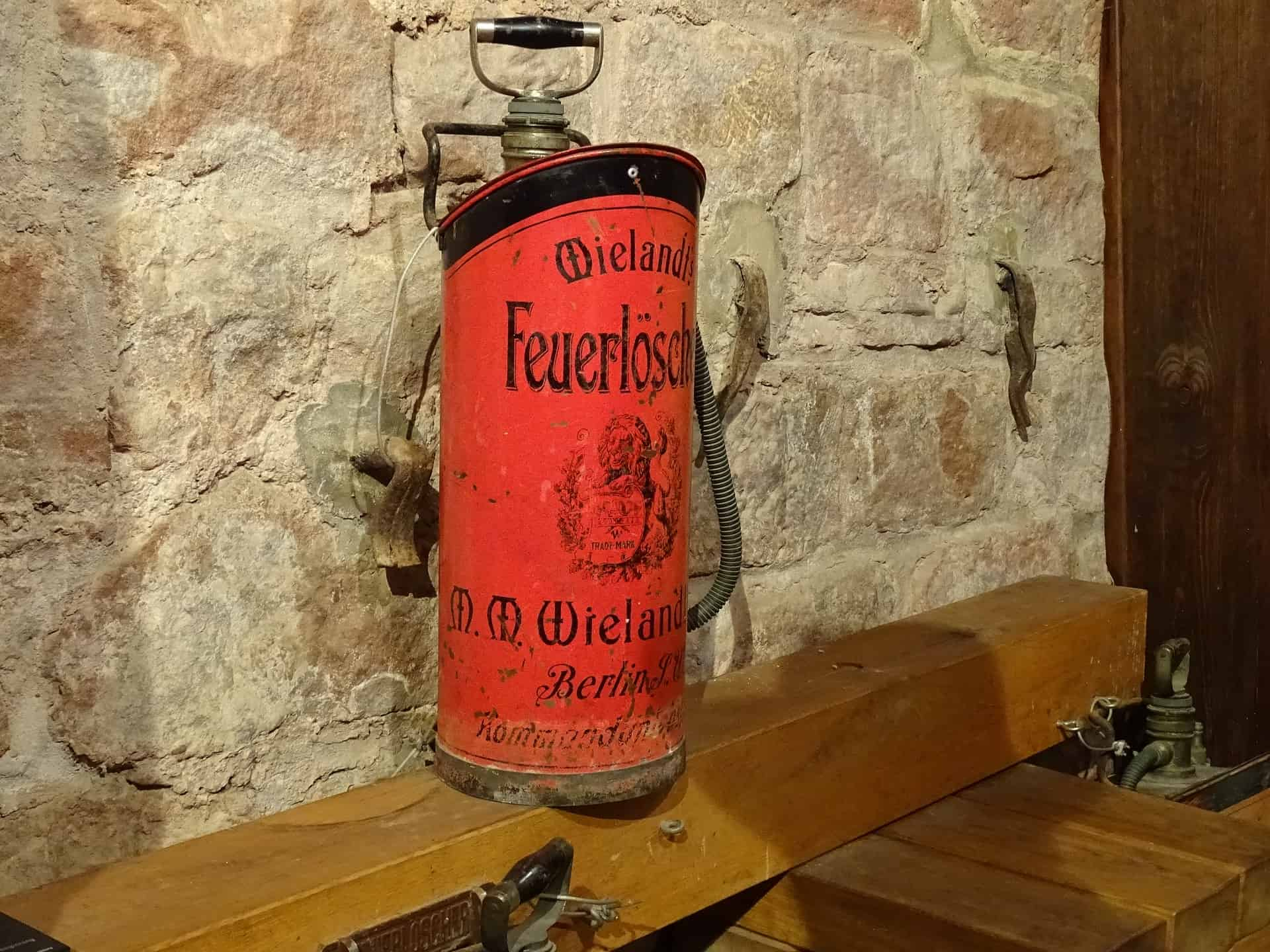 Read more about the article History of the Fire Extinguisher – Who Invented the Fire Extinguisher